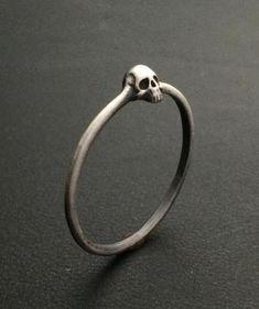 Cute Jewelry, Jewelry Box, Jewelry Accessories, Jewlery, Geek Jewelry, Silver Skull Ring, Skull Rings, Silver Earrings, Sterling Silver Rings