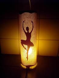 Bailarina                                                                                                                                                                                 Más