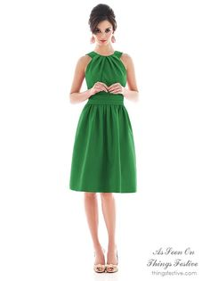 Re-Wearable Green Bridesmaid Dress #bridesmaiddress #greenbridesmaiddress #rewearablebridesmaiddress