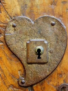I wonder who thought to create such a sweet lock plate.