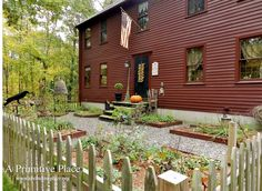 I love the red house! Red Houses, Saltbox Houses, Primitive Homes, Primitive Decor, Colonial House Exteriors, Colonial Garden, A Lovely Journey, Exterior House Colors, Exterior Paint