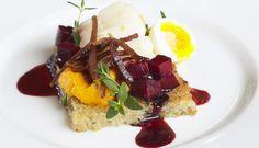Boknafisk på toast med gulrotpuré, spekeskinke, vaktelegg og rødbete, Fotograf: Lauritzen og Westhammer