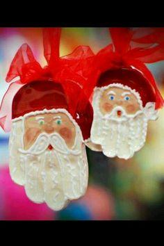 Kids hand print Santa!