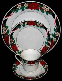 Tienshan DECK THE HALLS Christmas Red Poinsettias 4 Piece Place Setting Excellen