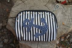 Olivia Paige – Cosmetic bag Sailor anchor studs