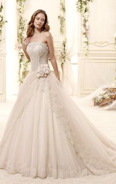 Beautiful princess wedding dress, by Nicole Spose