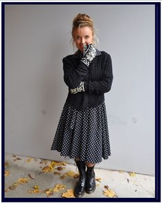 Everyday outfit in 1950´s style. Dress, cardigan and gloves :)