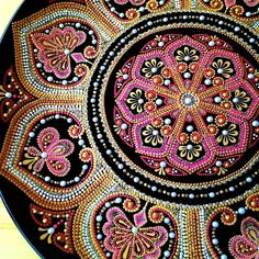 Тарелка декоративная керамическая, Д27см. Роспись акриловыми контурами