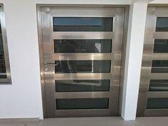 Puertas y ventanas Grill Door Design, Door Gate Design, Front Door Design, Modern Exterior Doors, Modern Front Door, Steel Gate Design, Elegant Dining Room, Aluminium Doors, Door Trims
