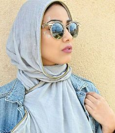 cateye sunnies with hijab- How to wear sunglasses with hijab http://www.justtrendygirls.com/how-to-wear-sunglasses-with-hijab/