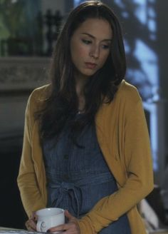 Spencer daughter of Shego and High school freshman and Kim's school Middleton high Pretty Little Liars Spencer, Pretty Little Liars Outfits, Pretty Little Lairs, Spencer Hastings Makeup, Spencer Hastings Outfits, Pll Outfits, Estilo Preppy, Fashion Tv, Fashion Ideas