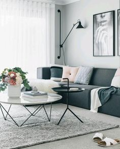 Find your favorite Minimalist living room photos here. Browse through images of inspiring Minimalist living room ideas to create your perfect home. Living Room Modern, Living Room Interior, Home Living Room, Apartment Living, Living Room Furniture, Living Room Designs, Living Room Decor, Cozy Living, Small Living