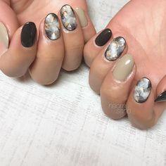 NAOMI SANO 佐野尚美さんはInstagramを利用しています:「🖤🖤🖤」 Gel Nails, Manicure, Winter Beauty, Wedding Nails, Hair And Nails, Nail Art Designs, Hair Makeup, Make Up, Color