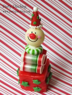 christmas dessert ideas, christmas kid treats, rice krispie treat, jack in the box, cute food, cute christmas dessert