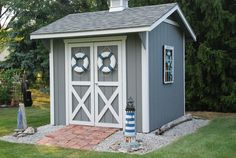 pool shed perfection no link, just picture Pool House Shed, Pump House, Pool Houses, Backyard Pool Designs, Backyard Projects, Pool Landscaping, Shed Building Plans, Diy Shed Plans, Shed Design