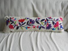 Almohadones bordados a mano!!, $370 en https://ofeliafeliz.com.ar
