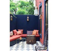 Choisir des couleurs franches pour décorer une terrasse | GLAMOUR PARIS