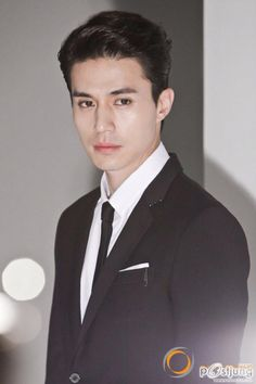 Korean actor Lee Dong-wook will tour Asia, according to his agency, King Kong Entertainment, on Wednesday. Lee, will begin the tour with fan. Korean Star, Korean Men, Asian Actors, Korean Actors, Lee Dong Wook Wallpaper, Lee Dong Wok, Goblin Korean Drama, Gong Yoo, Kdrama Actors