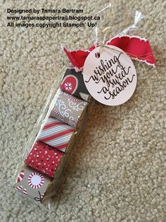 S paper trail: teacher treats candy candy lane style! Christmas Treat Bags, Christmas Craft Fair, Teacher Christmas Gifts, Christmas Candy, Teacher Gifts, Handmade Christmas, Xmas, Candy Cards, Candy Gifts