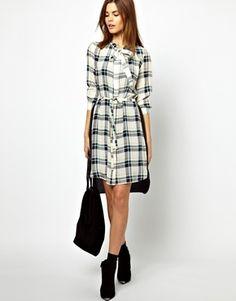 Платье рубашка в черно-белую клетку