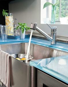 Coastal Nautical Kitchen Design Ideas with a Wow Factor - Coastal Decor Ideas and Interior Design Inspiration Images Corner Sink Kitchen, Kitchen Sink Design, Farmhouse Sink Kitchen, Glass Kitchen, Farm Sink, Blue Countertops, Kitchen Countertops, Laminate Countertops, Kitchen Cabinets