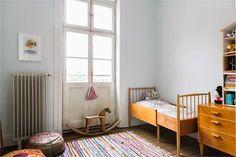 Keltainen talo rannalla: Rustiikkista, väriä ja vintagea