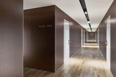 2017 Hotel Boiardo Reggio Emilia/Italy Laminam 3+ Filo, Rubino – Filo, Oro – Ossido, Bruno 1000x3000mm