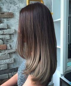 Elegant Long Straight Ombre Hairstyles for Women