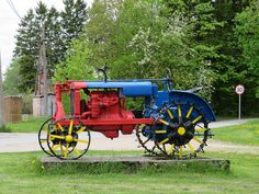 Tractor Universal VTZ - Minest Retked Cannon, Tractors, Vehicles, Landscapes, Industrial, Paisajes, Scenery, Car, Industrial Music