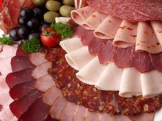"""Are Cold Cuts considered primal? It's not a hard """"no"""", but definitely check the details on this post! #paleo"""