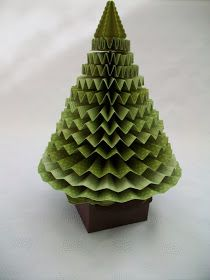 3D Pleated Christmas Tree! -- love this fun craft. Easy to do for any holiday