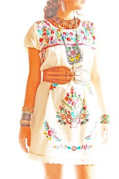 Las florecitas vintage Mexican embroidered floral dress