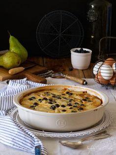 Flaugnarde o flognarde de pera y arándanos {una tarta de peras muy francesa}