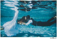 Trash the Dress – Underwater Swimming Pool Photo Session with Jimmy & Sheri