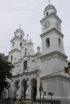 Iglesia de San Ignacio de Loyola, como se ve en la ctualidad, barrio de Monserrat, BsAs, Argentina