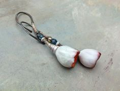 snow bloom.. pod earrings by greybirdstudio on Etsy