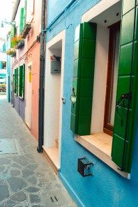 Colours of a lane - Burano Island / Italy