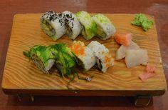 Combo sushi roll Sushi Rolls, Ethnic Recipes, Food, Essen, Meals, Yemek, Eten