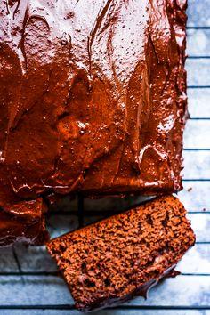 Sugar Free Chocolate Cake – That Actually Tastes Amazing!