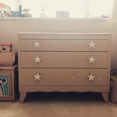 Super cute drawers painted blush pink with a sprinkling of white stars. Pink Chest Of Drawers, Pink Chests, Chest Of Drawers Inspiration, Refinished Furniture, Better Day, Otter, Color Splash, Orange, Gallery