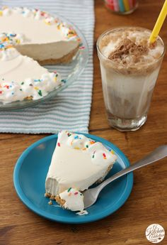 No Bake Root Beer Float Pie l www.a-kitchen-addiction.com