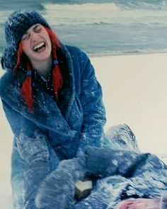 Happiness :) Eternal Sunshine of the Spotless Mind Movies And Series, Movies And Tv Shows, Movie Shots, Movie Tv, Meet Me In Montauk, Eternal Sunshine, Kate Winslet, Film Stills, Great Movies