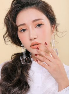 Mineral makeup is the newest thing and it's based upon the oldest things. As an all-natural makeup, these mineral-containing makeups are being promoted as something that can really help your skin. 3ce Makeup, Makeup Cosmetics, Asian Makeup, Korean Makeup, Korean Beauty, Asian Beauty, Matte Lip Color, Lip Colors, Eye Makeup Tips