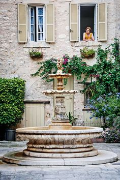 Cool down from the sizzling beaches of the French Riviera in the perfumed towns and painterly enclaves of Alpes-Maritimes French Cottage, French Country House, Country Style, Country Farmhouse, Country Kitchen, Country Living, Nice Cote D Azur, Weekend France, French Chateau