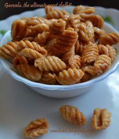 Recipe world: Gavvalu - Sweet Shells from Andhra / ಗವ್ವಲು - ಆಂಧ್ರ ಸ್ಪೆಷಲ್ Indian Desserts, Indian Sweets, Indian Snacks, Indian Food Recipes, Vegetarian Recipes, Cooking Recipes, Indian Foods, Side Recipes, Sweets Recipes