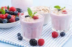 berry milkshake with oatmeal