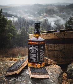 All things Jack Daniel's Bebidas Jack Daniels, Jack Daniels Drinks, Jake Daniels, Jack Daniels No 7, Jack Daniels Bottle, Jack Daniels Whiskey, Scotch Whiskey, Bourbon Whiskey, Whisky