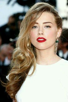 One Side Braids Pictures amber heard in one side braid with free natural curls on One Side Braids. Here is One Side Braids Pictures for you. One Side Braids 73 stunning braids for short hair that you will love. One Side Braids 66 of. Club Hairstyles, Side Hairstyles, Wedding Hairstyles, Glamorous Hairstyles, Clubbing Hairstyles, Amber Heard Photos, Side Curls, Side Braids, Hair Game