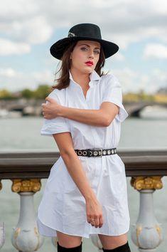 shooting photo pas cher à Paris par photographe pro. Studio Bain de Lumière Julie Robert, Photo Pa, Shooting Photo, Studio, White Dress, Paris, Dresses, Fashion, Photography