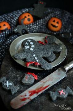 Auf der Suche nach einem Rezept für Vegane Halloween Kekse? Ich hätte hier ganz besondere aus schwarzem Sesam, die dank der schwarzen Farbe toll aussehen!